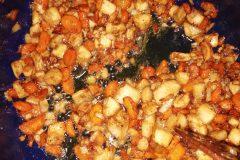 Správně orestovaná zelenina a cibule